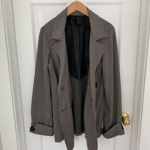 Jackets & Coats - Wrapper Trench Coat, Black and Cream, Size XL